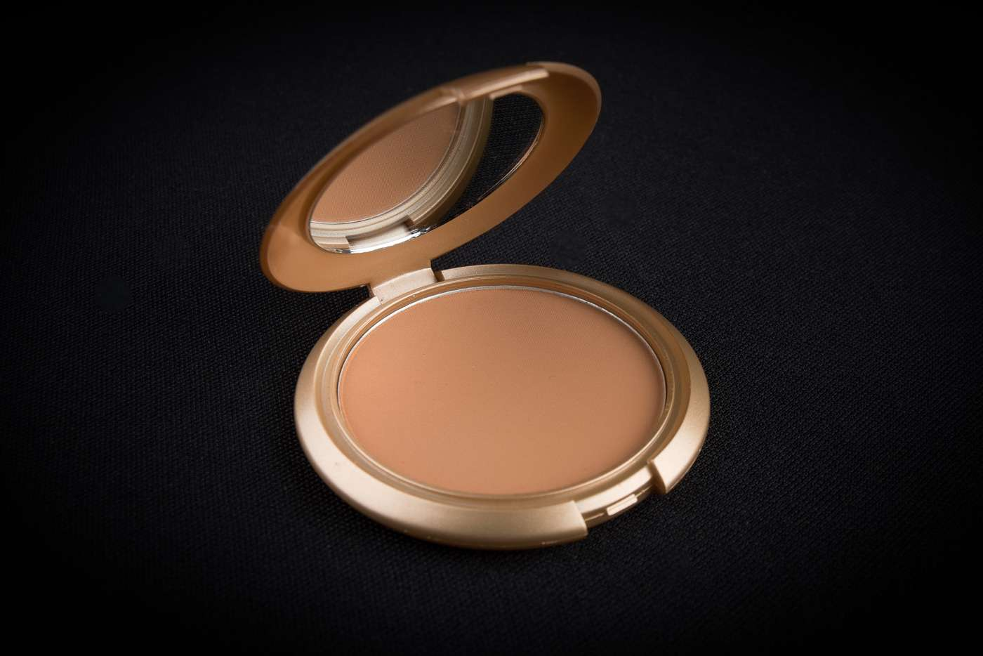 Pressed powder foundation black skin